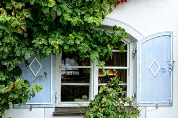 window-949779_640