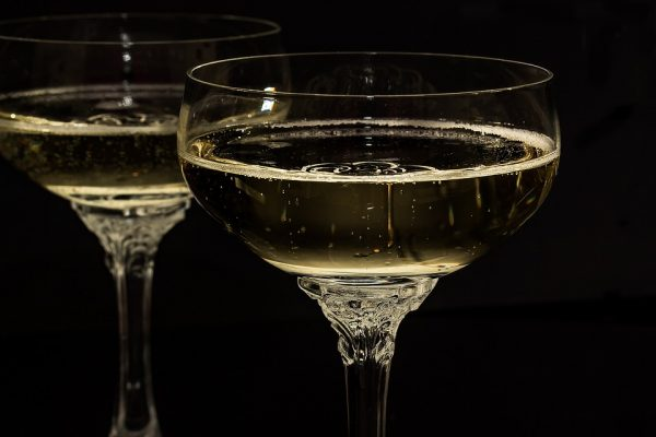 otkrity_shampanskoe-1