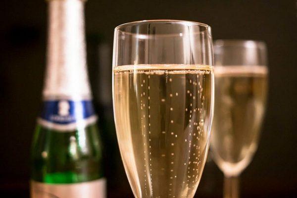 shampanskoe_vlyublyennim3