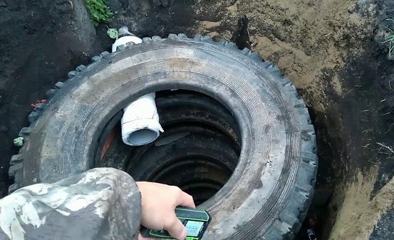 Водосток для бани из шин