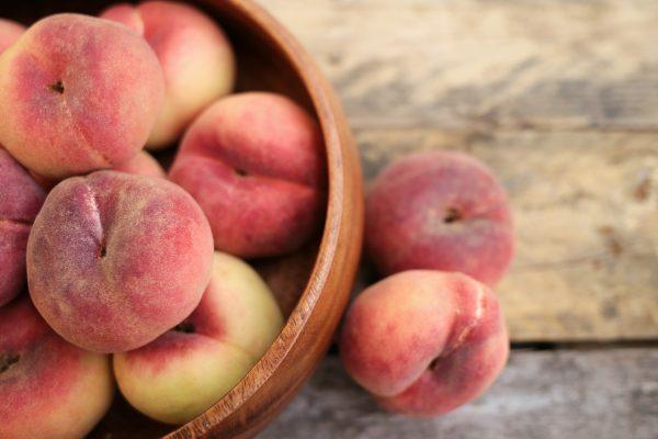peach-3314679_1920