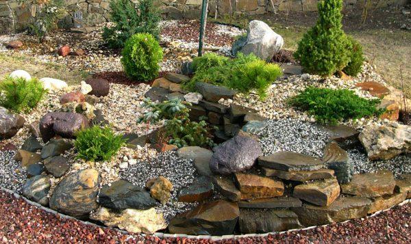 Камни для клумбы