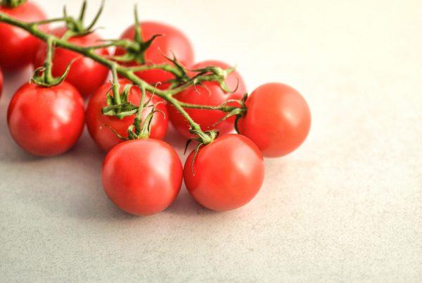 tomatoes-3409835_1920
