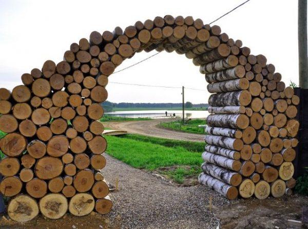Пленница в форме арки
