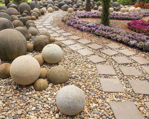 Садовая дорожка из гравия