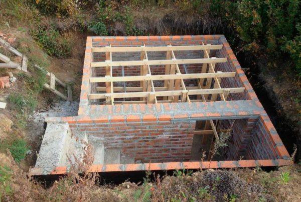 Строить подземное овощехранилище
