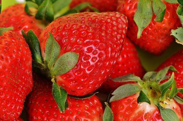 strawberries-1303374_640